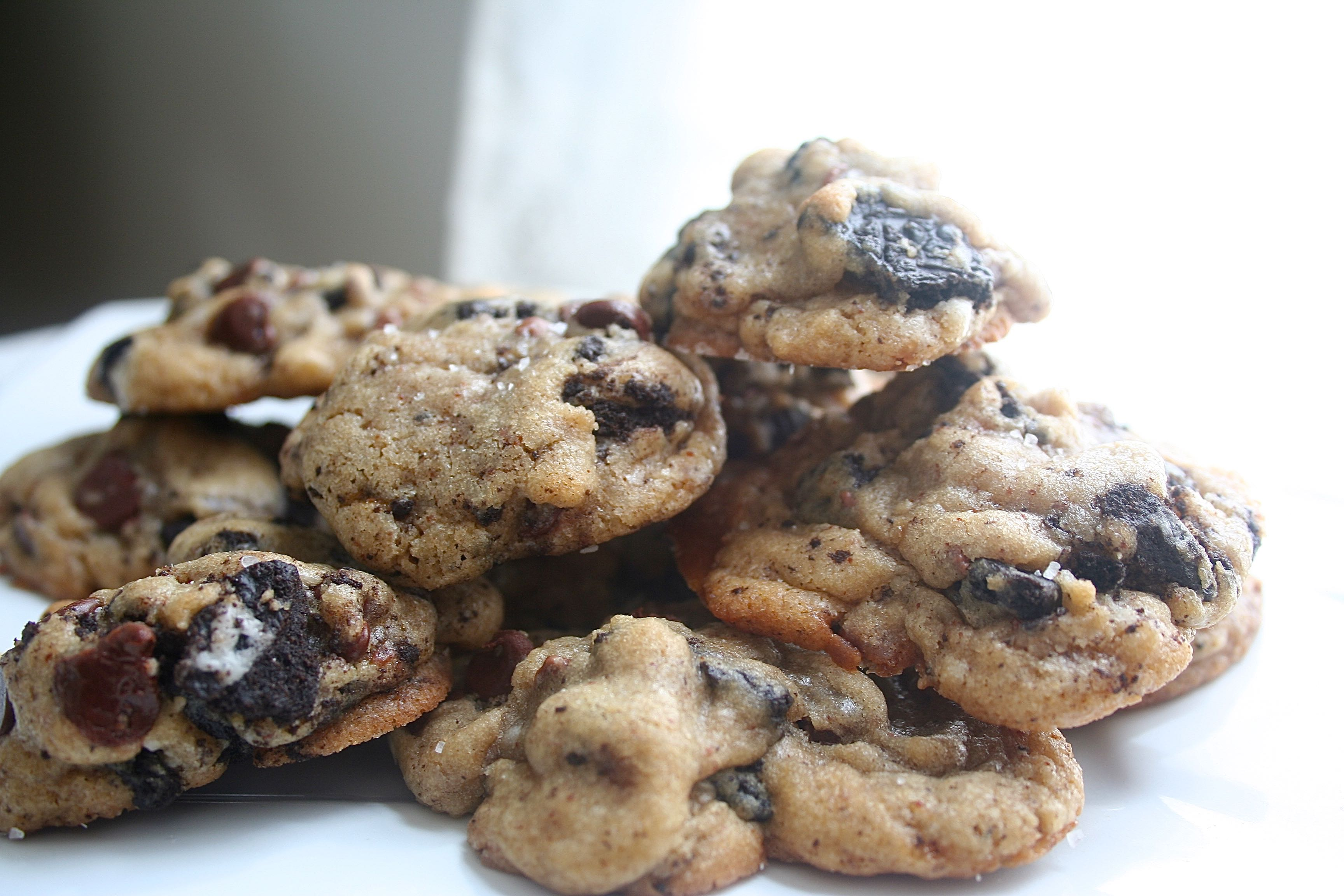 browned butter oreo toffee cookies