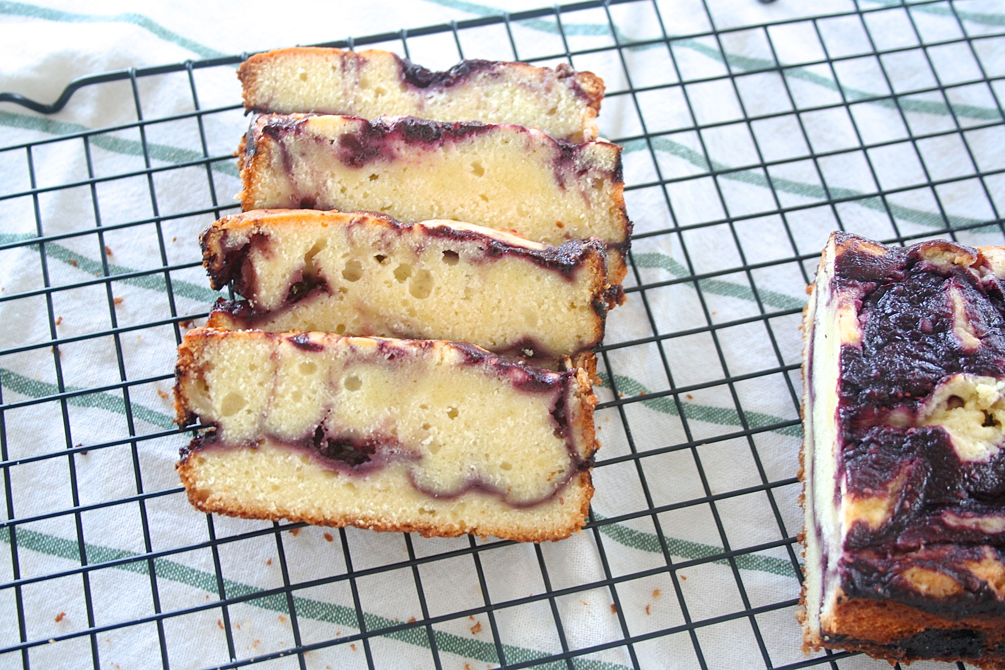 berry pound cake