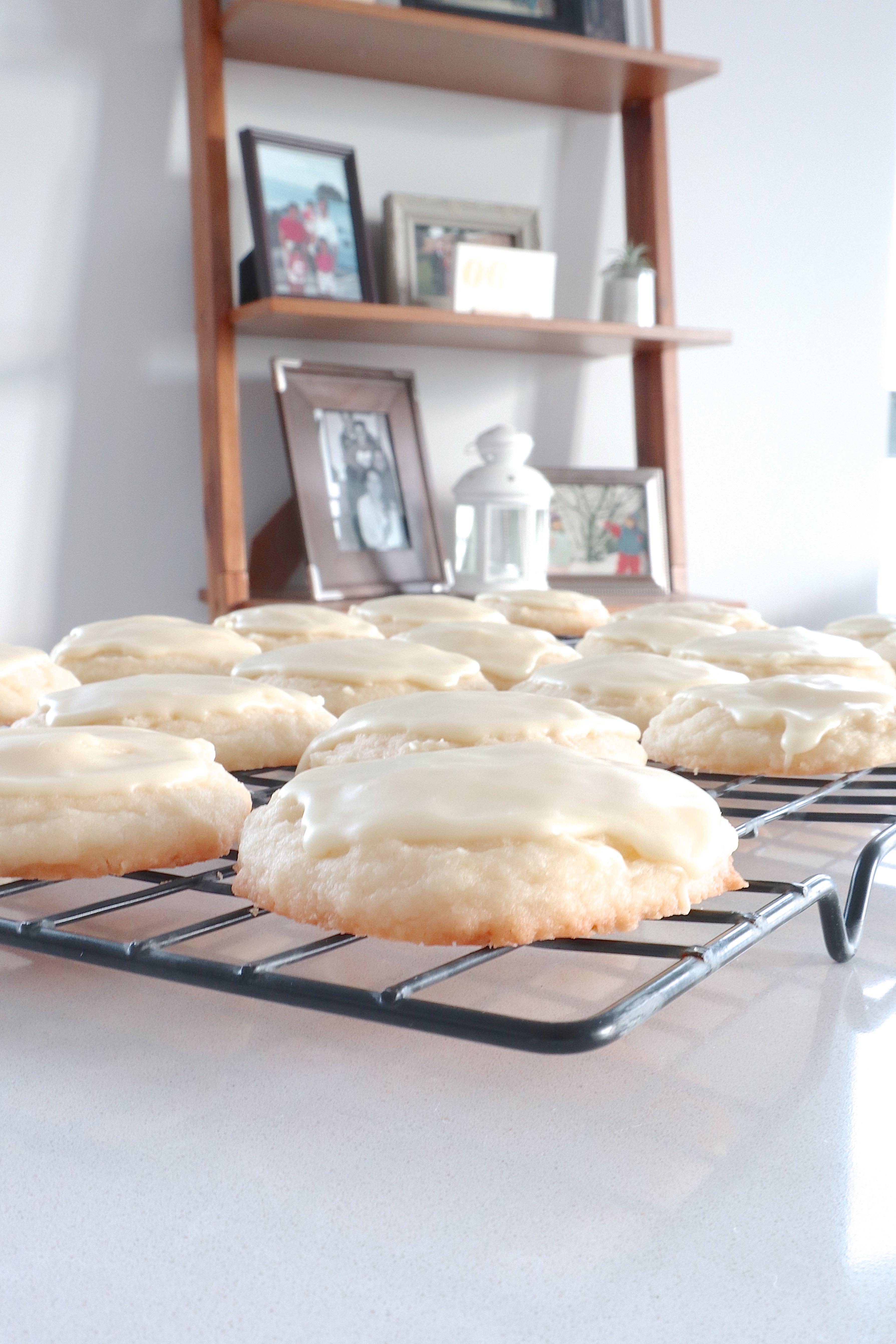 lemon whipped shortbread cookies