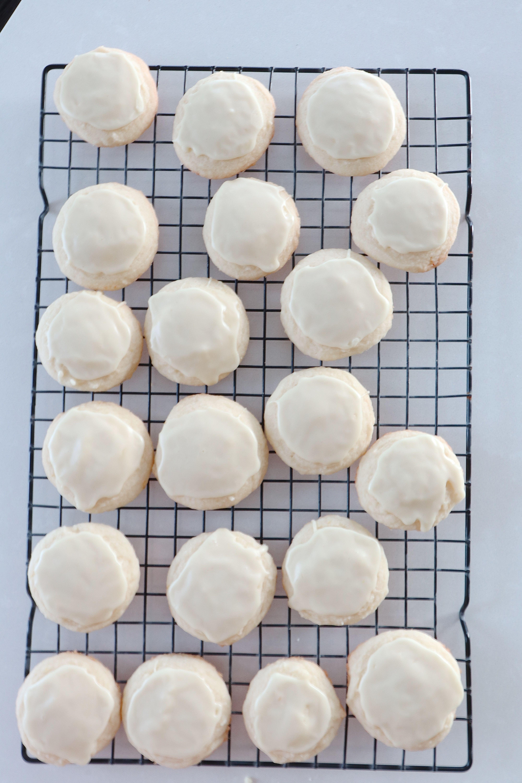 lemon whipped shortbead cookies